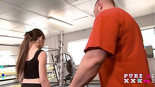 Tiny Australian bangs her gym instructor