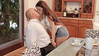 DADDY4K. Cunning man takes care of sweet girl who